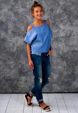 Top cold shoulders 1 320x462 - Топ льняной на бретелях голубого цвета