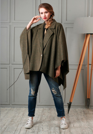 Poncho plaid 1 320x462 - Пончо-пальто шерстяное зеленого цвета