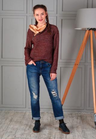 свитер вишневый