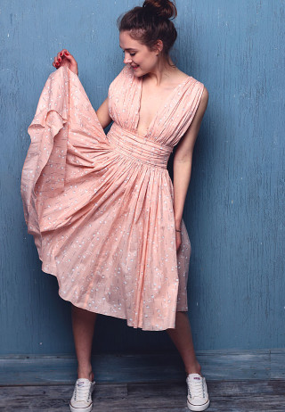 Dress pink 1 320x462 - Платье батистовое а-ля Мэрилин Монро