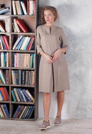 dress latte 2 320x462 - Шерстяное платье с оригинальной горловиной цвета латте