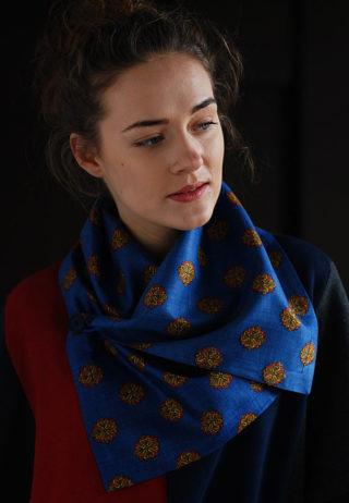 шарф с вискозы