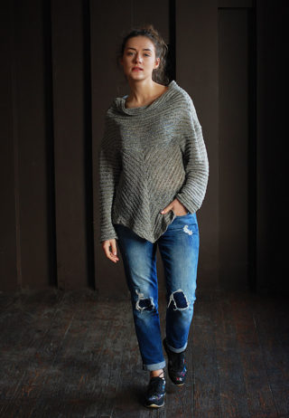 свитер асиммтричный